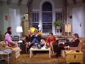 TV show fashion history - The Mary Tyler Moore Show - living room.jpg