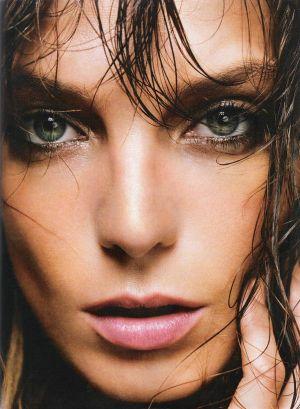 Daria-Werbowy-Harpers-Bazaar-Spain-13.jpg