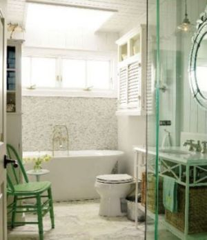 Decorating with the colour green - myLusciousLife.com - Sarahs Cottage - bathroom - Georgian Bay.JPG