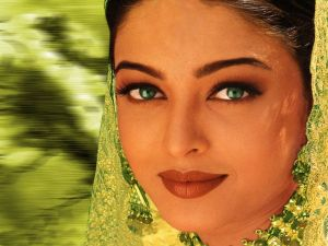 Green photo gallery - myLusciousLife.com - Aishwarya Rai.jpg