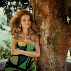 The colour green - fashion - vintage  - veruschka.jpg