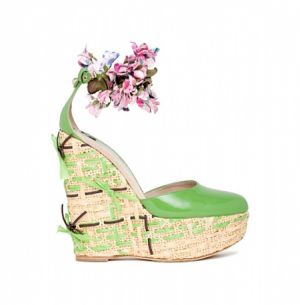 dg-shoes-accessories-spring-summer-2011 - myLusciousLife.com - green accessories.jpg