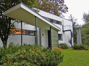 Bauhaus architecture - Gropius House in Lincoln Massachusetts.jpg
