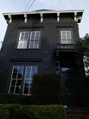 Matte black house in Pacific Heights - mylusciouslife.com.jpg