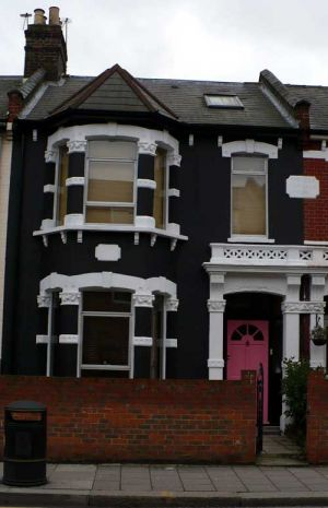 black-house-london with white trim - mylusciouslife.com.jpg