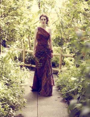Michelle Dockery photographed by Jason Bell for Vogue UK August 2011_2.jpg