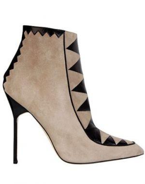 manolo-blahnik-shoes-fall-winter-2011-2012.jpg