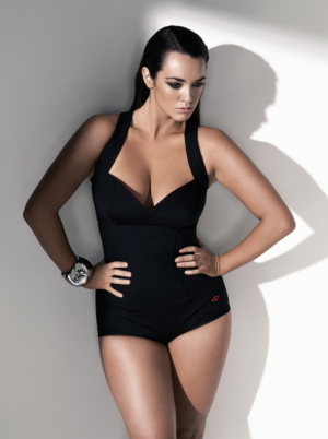 Lingerie and swimwear for curvy girls - Laura Wells pix.png