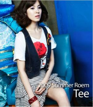 Photos of song hye kyo roem model.jpg