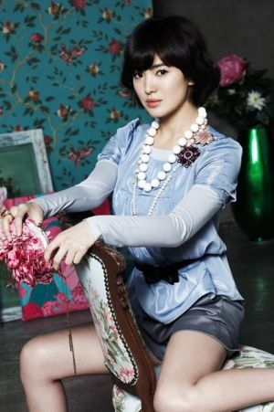 Song Hye Gyo - pictures of the South Korean model.jpg