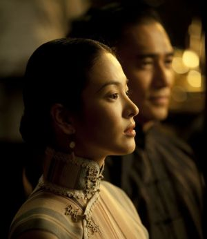 Song Hye Kyo in the Grandmaster with Tony Leung Chiu-wai.jpg