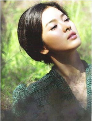 Song Hye Kyo-Marie Claire - Korean and American movies.jpg