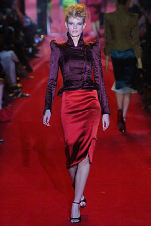 Fall 2004 Yves Saint Laurent Rive Gauche,under Tom Ford1.jpg