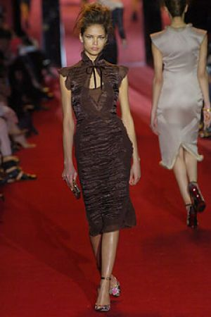 Fall 2004 Yves Saint Laurent Rive Gauche,under Tom Ford11.jpg