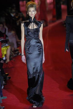 Fall 2004 Yves Saint Laurent Rive Gauche,under Tom Ford12.jpg