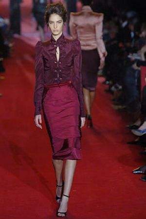 Fall 2004 Yves Saint Laurent Rive Gauche,under Tom Ford2.jpg