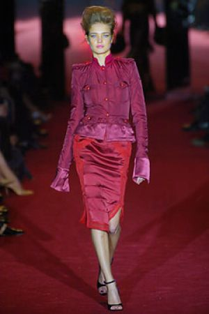 Fall 2004 Yves Saint Laurent Rive Gauche,under Tom Ford6.jpg