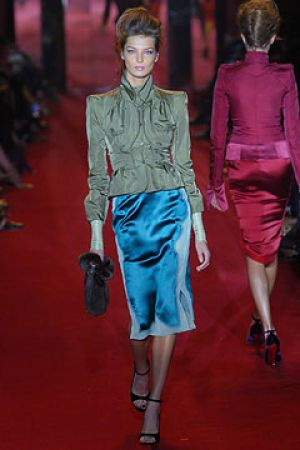 Fall 2004 Yves Saint Laurent Rive Gauche,under Tom Ford7.jpg