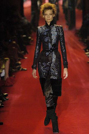 Fall 2004 Yves Saint Laurent Rive Gauche,under Tom Ford9.jpg