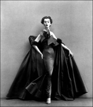 vintage photography blog - dovima models fath for richard avedon.jpg