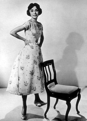 Audrey Hepburn - black and white patterned dress.jpg
