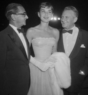 Audrey Hepburn and Irving Berlin at premiere of William Wylers Roman Holiday 1953.JPG