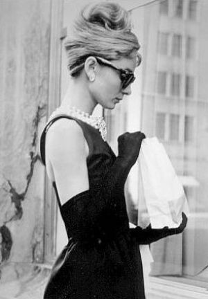 Audrey Hepburn costumes - Breakfast-at-Tiffanys-audrey-hepburn.jpg