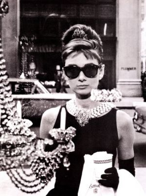 Audrey Hepburn costumes - audrey-hepburn-in-breakfast-at-tiffanys.jpg