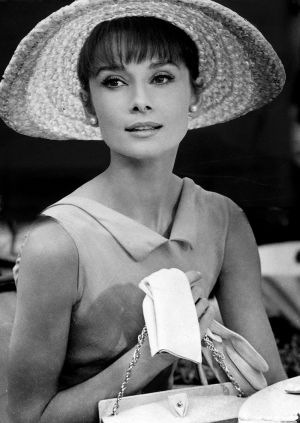 Audrey Hepburn movies - audrey-hepburn with hat and gloves.jpg