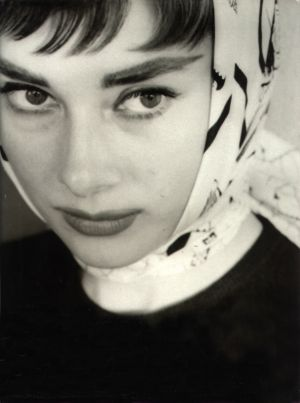 d404dd56ec4 ... Images of Audrey Hepburn - style icon.jpg ...