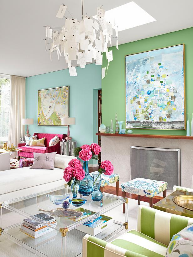 Designers at home at home with sarah richardson in her - Sarah richardson living room ideas ...